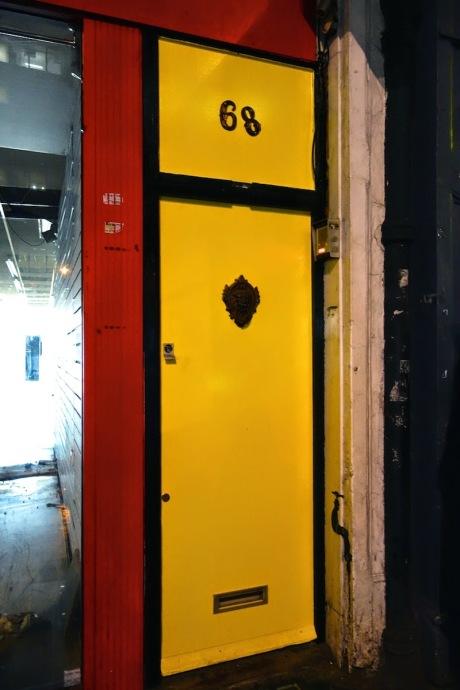 yellow door pop up