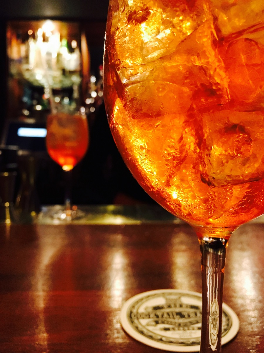 Making the perfect Aperol Spritz